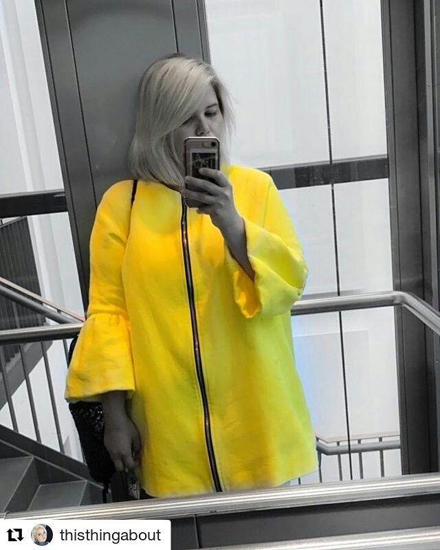 Yellowish love  #Repost @thisthingabout (@get_repost)  Spark of light in the otherwise dark world aka Berlin #plussizeblogger #plussizebeauty #PlusSizefashion #plussizemodel #plussizesexy #curvydivachic #CurvyModel #curvyfashionista #curvyblogger #curvychic #sexyoversize
