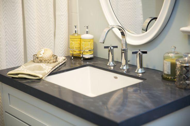 Bathroom | Countertop in Moonlit Sea | DUPONT CORIAN