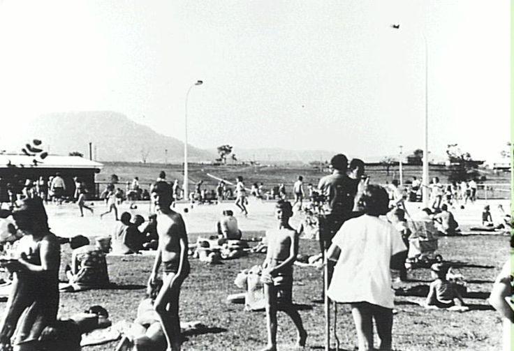 DAPTO - Baths - Dapto War Memorial Olympic Pool [picture]