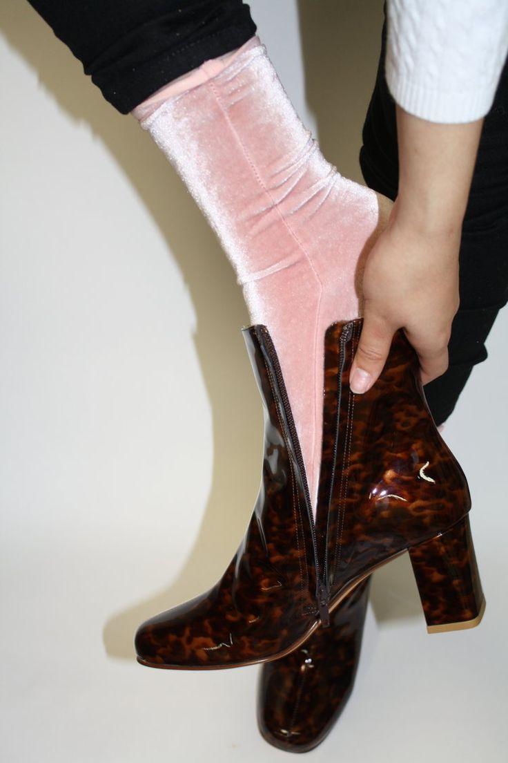 VELVET SOCKS | Velvet Socks - Light Pink
