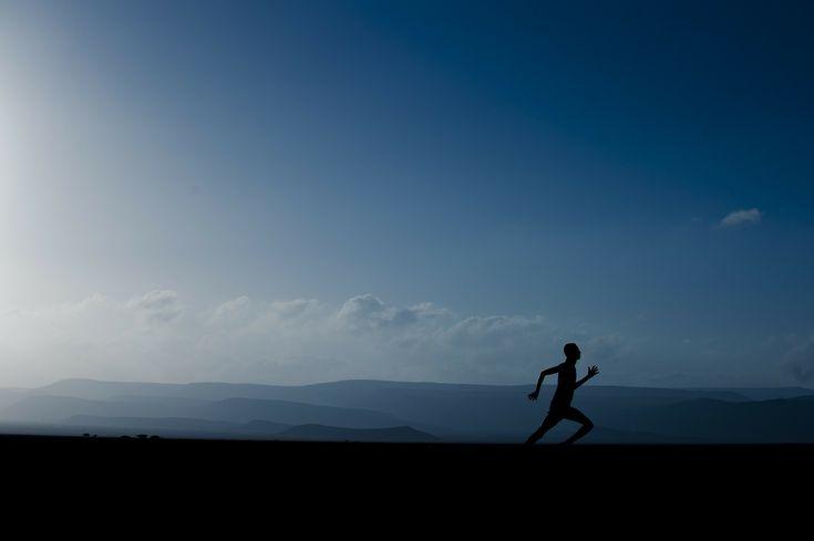 Si corres 4 kilómetros en 30 minutos quemarás 350 calorías, si tu peso es de unas 160 libras // If you run 4 kilometers in 30 minutes, you will bur 350 calories if you wieght about 160 pounds #salud #consejo #tip #health #healthytips #ejercicios #workout #run #correr #fitness