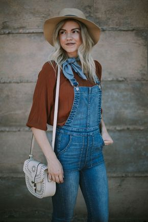 bba9fa7bd13 Overalls Worn Two Ways + A Link-Up - Living in Color