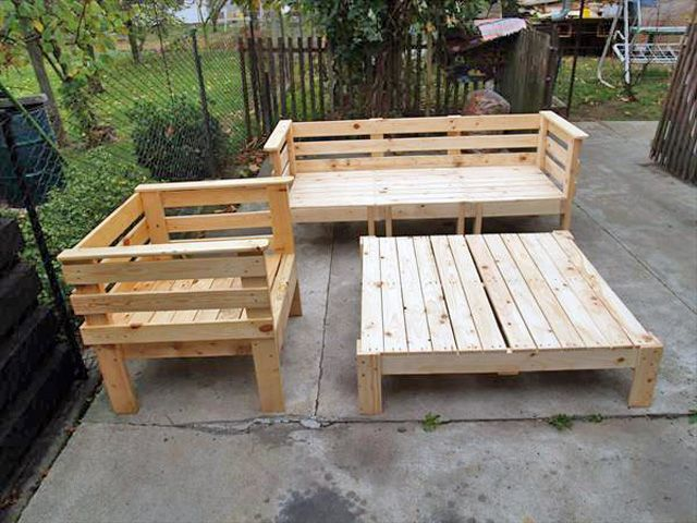 17 best ideas about pallet furniture for sale on pinterest wood pallet coffee table pallet. Black Bedroom Furniture Sets. Home Design Ideas
