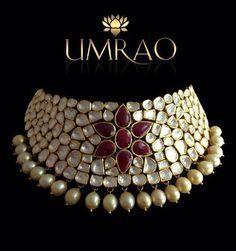 By Umrao Jewels. Bridelan - Personal shopper, stylist & luxury consultants for Indian/NRI weddings, website www.bridelan.com #polki #polkinecklace #weddingnecklace #jadaunecklace #bridalnecklace #uncutdiamondspolkinecklace #diamondpolkijewellery #traditionalindianjewellery #polkibridalset #oversizeduncutdiamonds #bridelan #bridelanIndia #personalshopperindia #jewelleryshoppingindia #polkiweddingjewellery