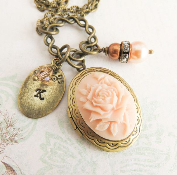 Personalized photo locket. #handmade #vintagestyle #necklaces #handcrafted #pearls #romantic #women #personalized