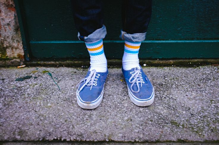 vans era with socks