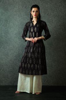 Block print kurta with embroidered palazzo pants from #Benzer #Benzerworld #ethnicwear #indowestern #womenswear