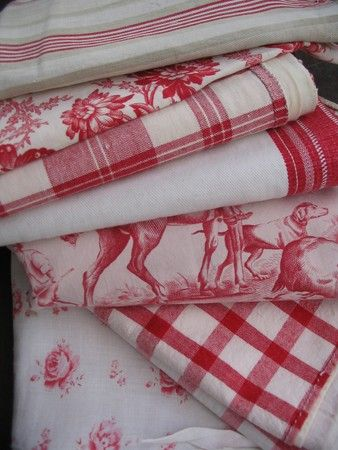 ,Toile Plaid, French Linens, Red Toile, Vintage Blue And White Linens, White Fabrics, Red Fabrics, Tables Linens, Mixed Pattern, Fabrics Red White And Blue