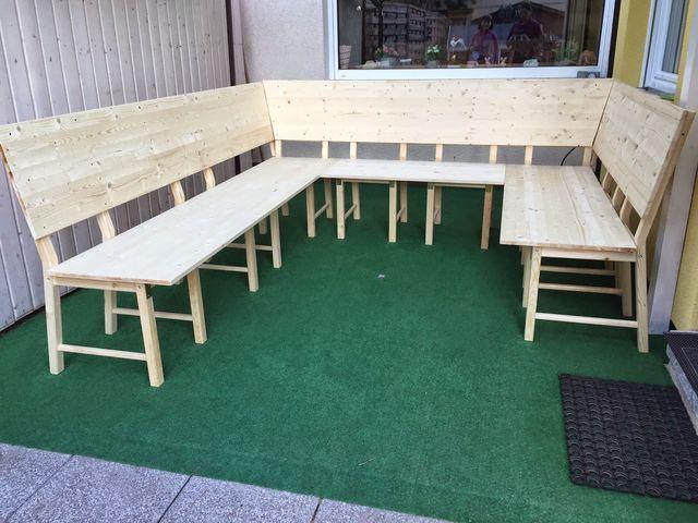 Diy Ikea Hack Aus 8 Stuhlen Wird Eine Grosse Eckbank Bzw Lounge Stickuhlinchen Aus Bz In 2020 Ikea Diy Diy Garden Furniture Ikea Hack