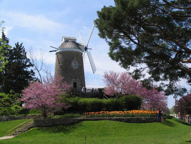 Old Kansas Windmills Prairie Dust Dutch Wind Mill In Wamego Travel Pinterest Mills And Windmill