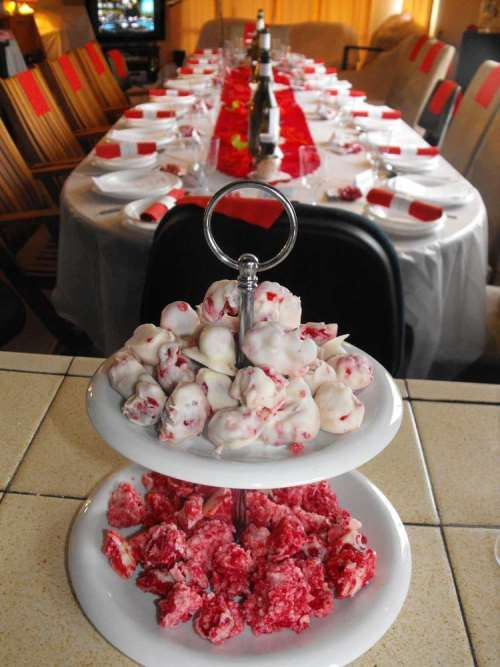 Create a dinner atmosphere