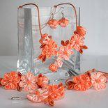 Set (collana, braccialetto, orecchini,spilla) colore arancione kanzashi fatta a mano