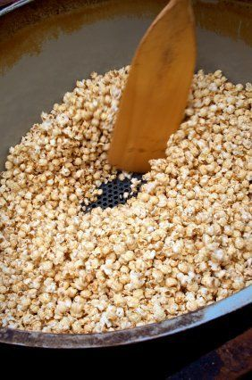 This page contains homemade kettle corn recipes. Kettle corn is a treat that isn't just for the fair and Saturday market. You can easily make yummy kettle corn at home.