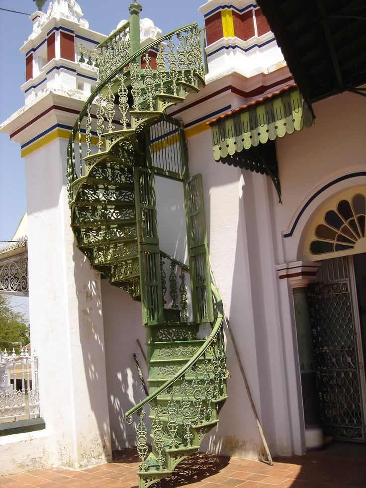 Best 18 Best Inspiration For The Miniature Cast Iron Spiral Staircase Project Images On Pinterest 640 x 480