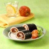 SUSHI MERAH GULUNG ABON http://www.sajiansedap.com/mobile/detail/371/sushi-merah-gulung-abon