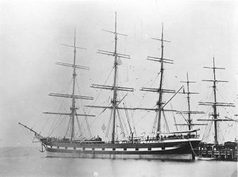 'Loch Vennachar' in Hobart.  The clipper ship Loch Vennachar was launched in Scotland in 1875. For the next 50 years she sailed almost continuously on the Australian run. On the outward journey she brought 'a large number of useful immigrants', mostly from Scotland. On her return she carried wool.
