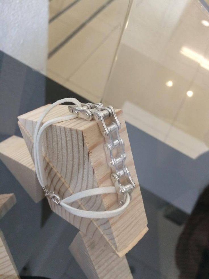 Cadena de Plata Pura creada durante Clase de Joyería con Art Clay