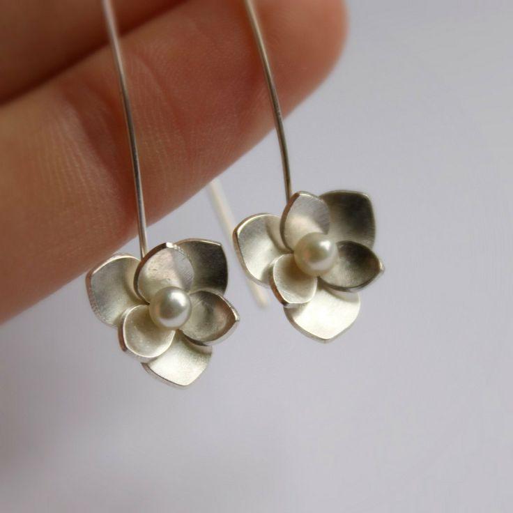 Plata y perla colgantes pendientes  gotas de plata y por moiraklime, $98,00