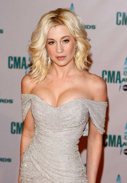 Kellie Pickler was auditioned fro American Idol in 2005 when she is still 19 years old. Description from brasizemeasurements.com. I searched for this on bing.com/images