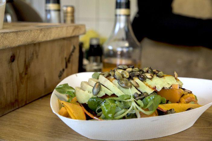 Salade van geroosterde pompoen met avocado - Mind Your Feed