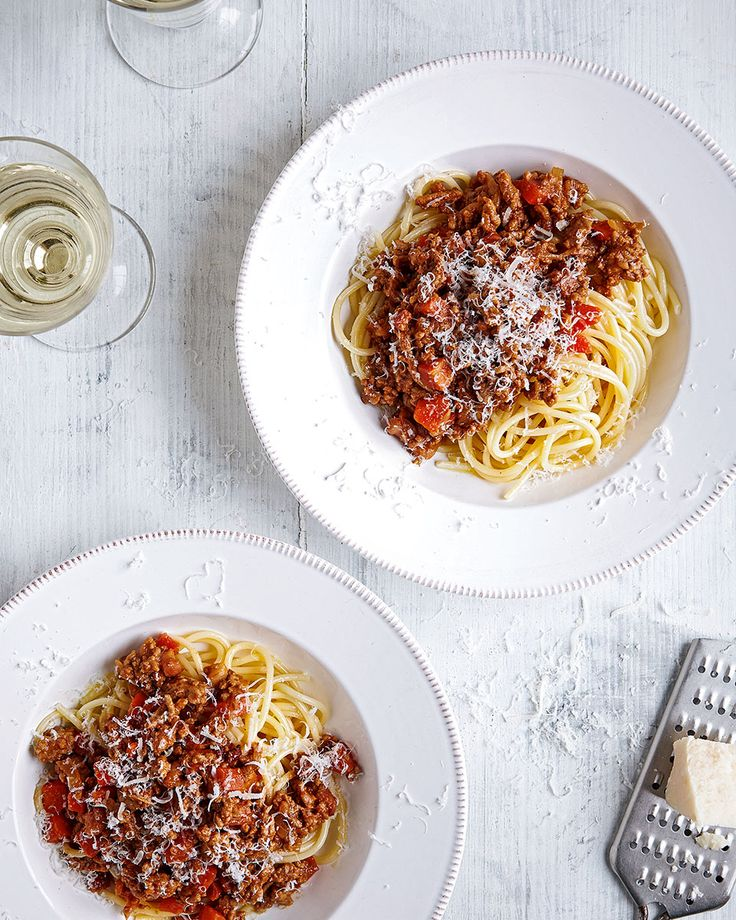 Still as hearty and familiar as the classic Italian version, we've swapped beef for lean pork mince and added white wine to freshen up the flavour of this easy spaghetti bolognese.