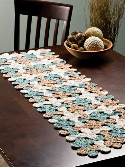 Woven Shell Table Runner.  Crochet - gotta learn to crochet.  Wish my mother was here to teach me!