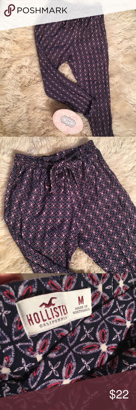 Hollister printed pants Very soft and comfortable pants from Hollister. Worn only twice. Hollister Pants Trousers