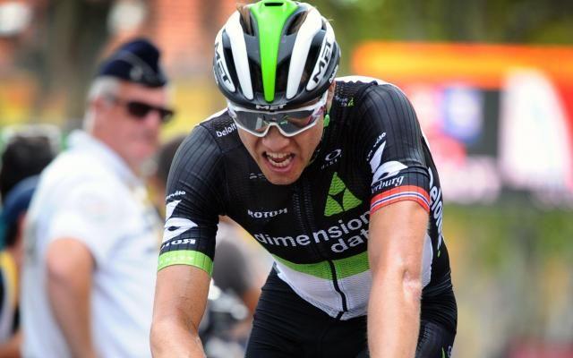 Tour de Grande-Bretagne: Boasson Hagen déclassé, Viviani gagne et devient leader -                  Le Norvégien, victorieux sur la route, a été déclassé en raison d'un sprint irrégulier. L'Italien de la Sky en profite pour s'adjuger l'étape et prendre la première place du classement général.  http://si.rosselcdn.net/sites/default/files/imagecache/flowpublish_preset/2017/09/04/1346