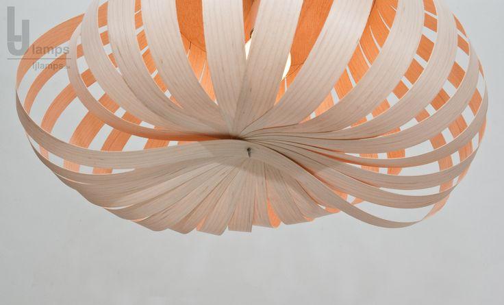 untersicht auf feines holz furnier leuchte lampe handarbeit aus berliner werkstatt. Black Bedroom Furniture Sets. Home Design Ideas