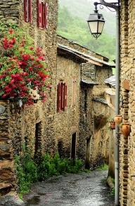 Petrella Guidi Historical Hideaway in Italy - Google Search