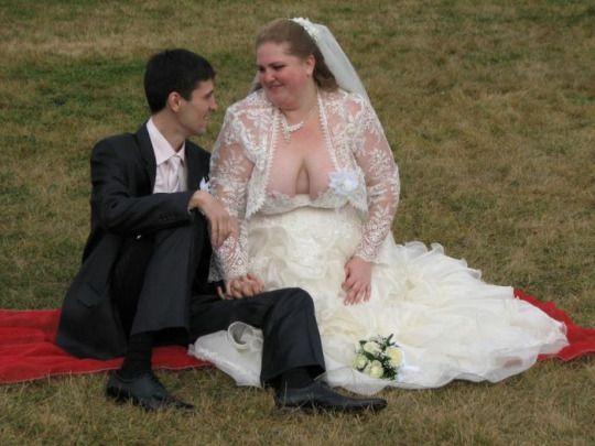 awkward wedding photo 16