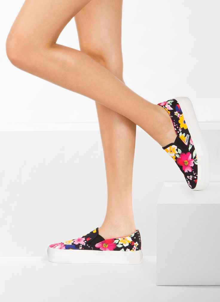 Trampki Slipony Spring Black Flower Slip On / Tenisówki/Trampki / Obuwie damskie - Modne buty, stylowe ubrania i obuwie damskie, sklep z butami i ubraniami, modne buty letnie i zimowe - DeeZee.pl