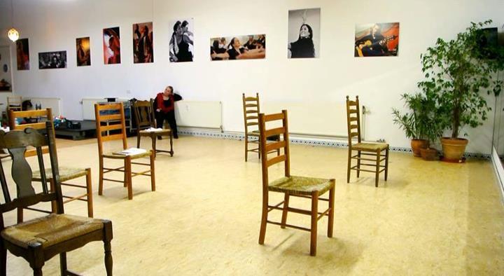 Flamenco-Studio Juanita Viento Die Stühle warten auf die TänzerInnen