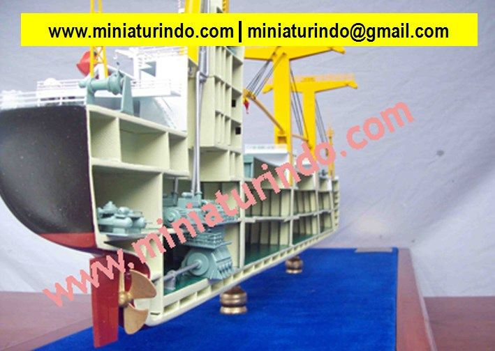Model Ship Building, Model Ship Building, Miniature Boat Models, Museum Quality Ships, Military Model Ship, Plastic Model Ships, Model Boat Plans, Titanic Ship Model, Uss Constitution, Model Sailboats