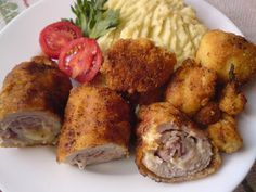 Paprikás krumpli: Cordon blue és rántott karfiol zelleres-almás krumplipürével