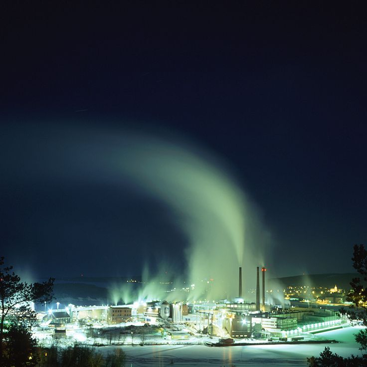 Smoke rising from Ortviken Paper Mill in Sundsvall a cold winter night. Andreas Planck