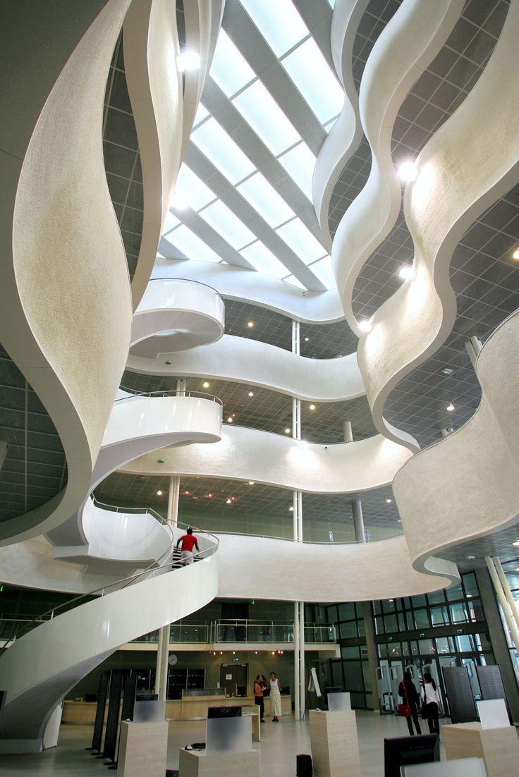 Escalier de la bibliothèque universitaire. images du havre / havre-developpement.com