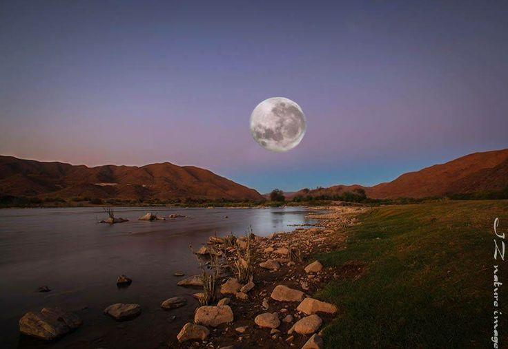 Full moon Garip Dam