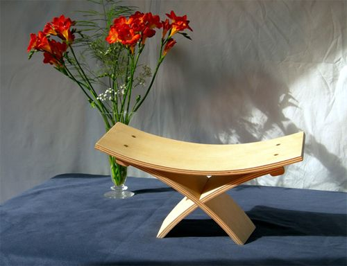 Meditaion bench or stool designed to be compact, lightweight and comfortable
