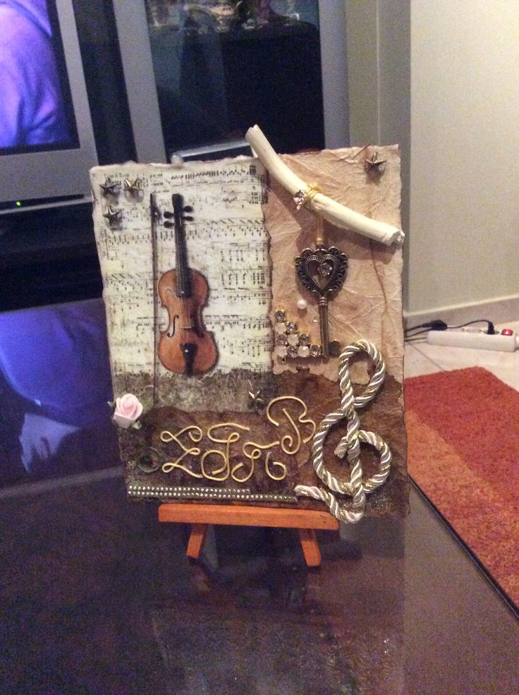 Vintage . Decoupage | patchwork card violin-key