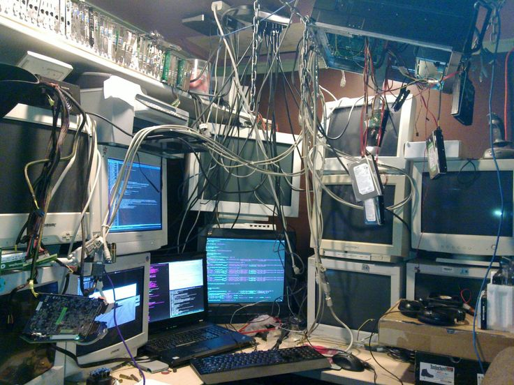 Serial Experiments Lain-esque setup (x-post from /r/techsupportgore)