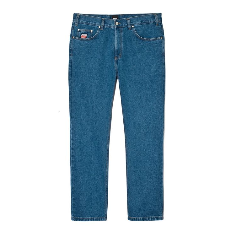 """Spodnie Jeansowe FLAVOUR BLUE Spodnie jeansowe skrojone w stylu """"loose fit"""" zapinane na suwak, z małym haftem PROSTO na prawej nogawce. Z przodu na małej kieszonce naszyta metka Klasyk. Na tylnych kieszeniach wyhaftowane logo Prosto. Dodatkowymi elementemi ozdobnymi spodni jest mnóstwo małych detali, m.in: ekologiczna skórka z logo PROSTO na tylnej części paska czy wytrzymały suwak YKK."""