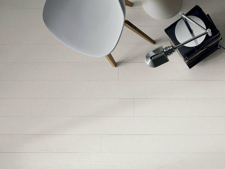 Parquet préfini en chêne Rouvre laqué à pores ouverts blanc by GAROFOLI