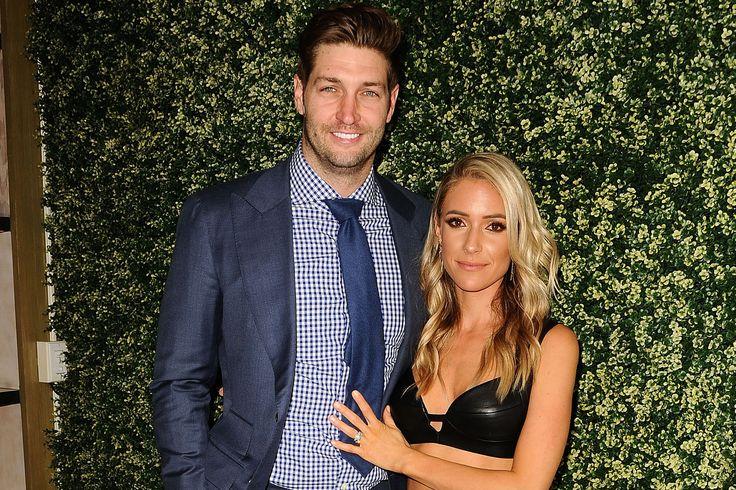 """Jay Cutler's wife talked him into NFL return Sitemize """"Jay Cutler's wife talked him into NFL return"""" konusu eklenmiştir. Detaylar için ziyaret ediniz. http://www.xjs.us/jay-cutlers-wife-talked-him-into-nfl-return.html"""