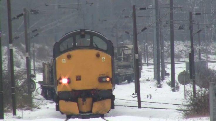 class 37 37602+37608 on rail delivery train @ ferryhill 23/01/13 awsome ...