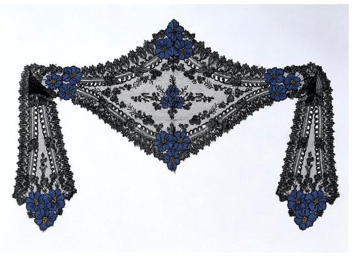 ca. 1860 cap with lappetsCap Places, Black Lace, Lace Cap, Silk Bobbin, Bobbin Lace, 1860S Fashion, France Possible, Apply Silk, Albert Museums