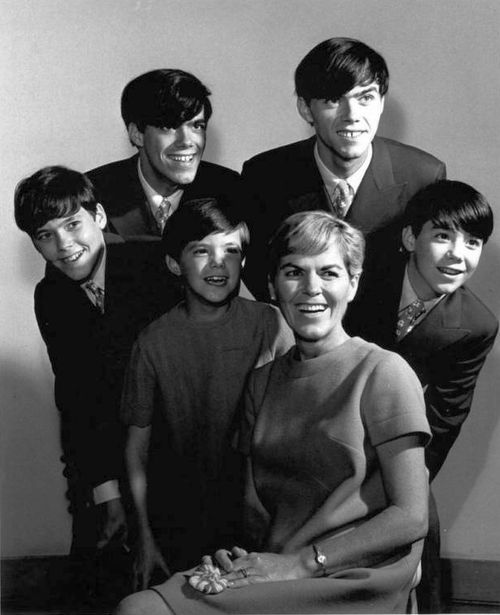 The Cowsills - The real Partridge Family!