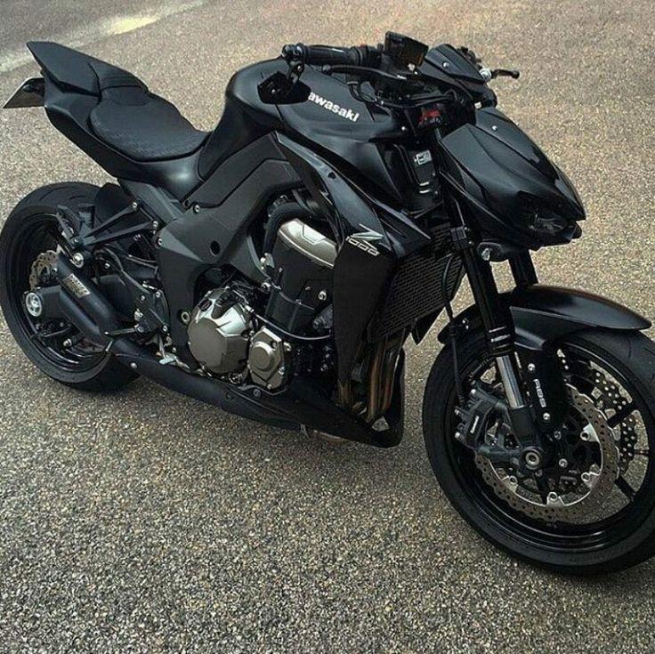Kawasaki Black Z1000   – Autok