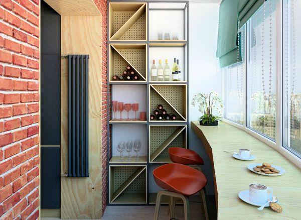 Балкон с кирпичной стеной и барной стойкой