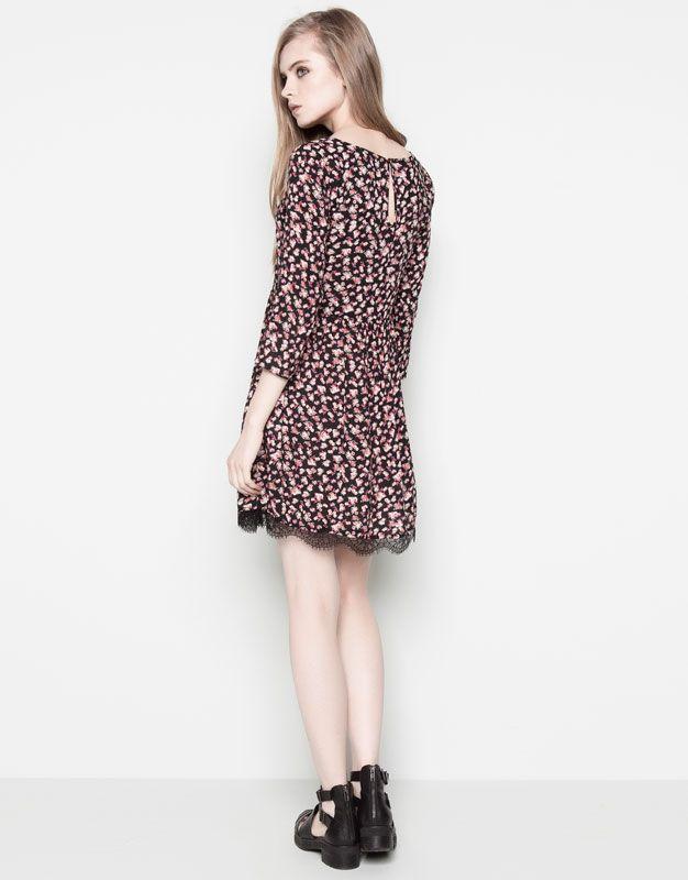 :TINY FLORAL PRINT DRESS WITH LACE HEM DETAIL